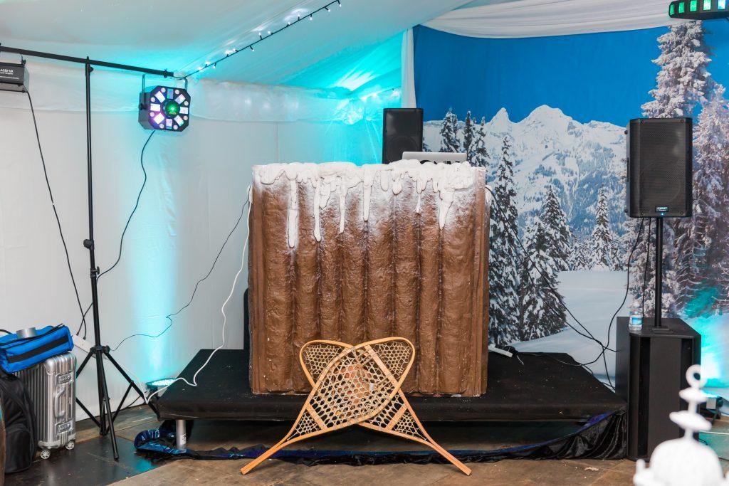 Apres Ski party alpine dj booth
