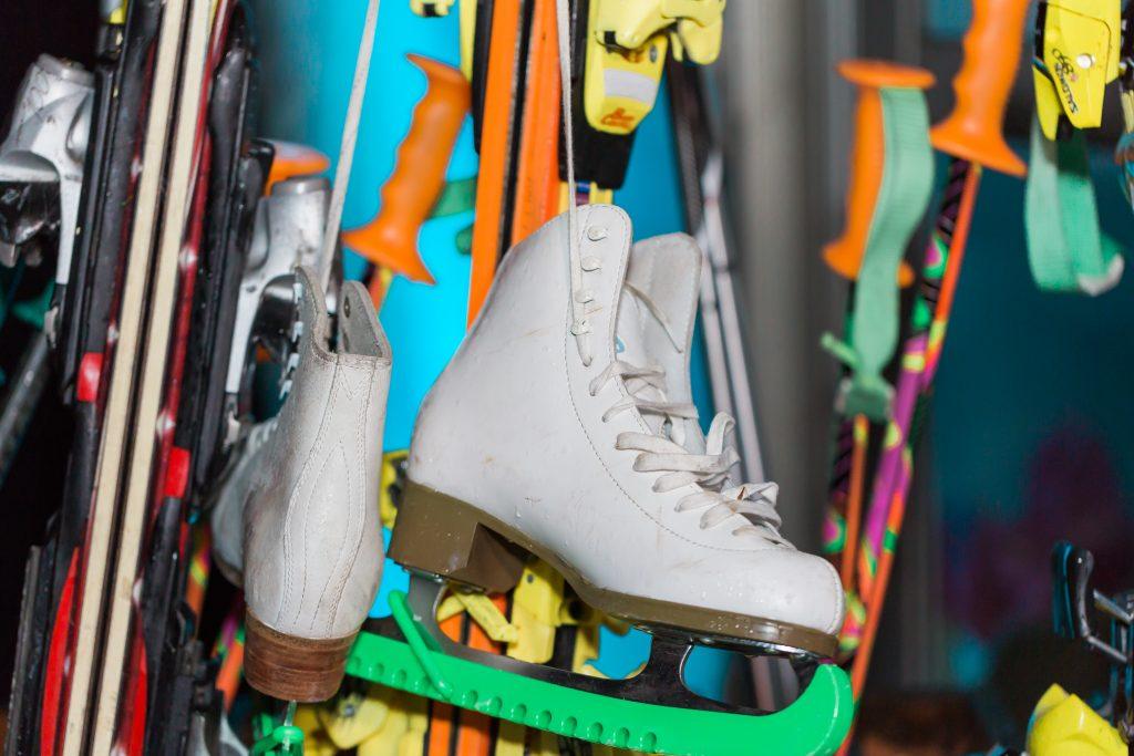 Apres Ski party - ski rack