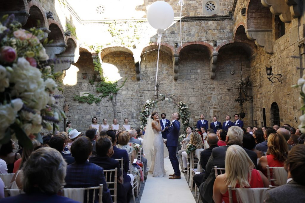 32 Outdoor wedding ceremony Italy Elegante luxury wedding planner