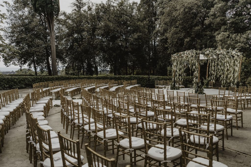 Villa di Maiano wedding ceremony carriage driveway