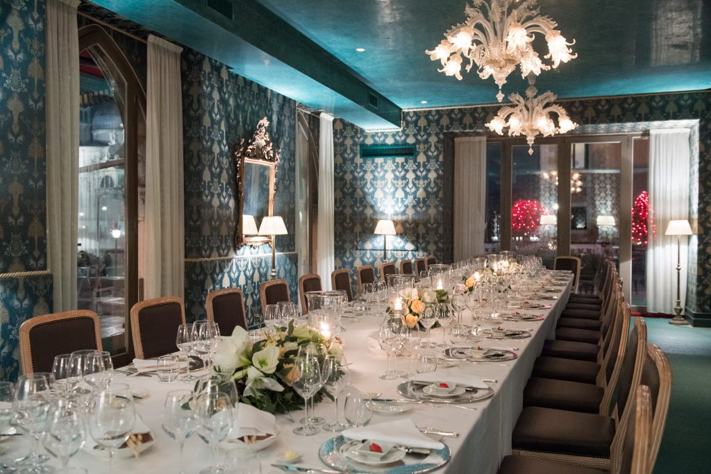 Destination wedding planner - Bauer Palazzo venice Italian intimate wedding